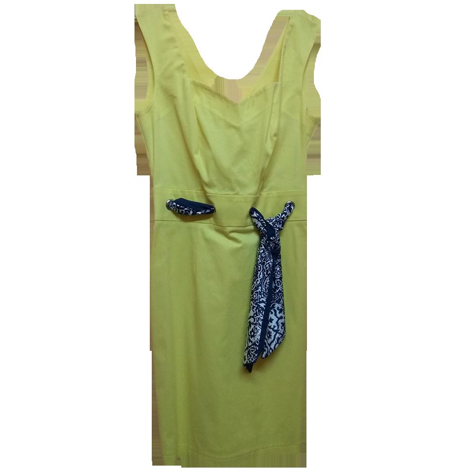 Mini casual dress in close line