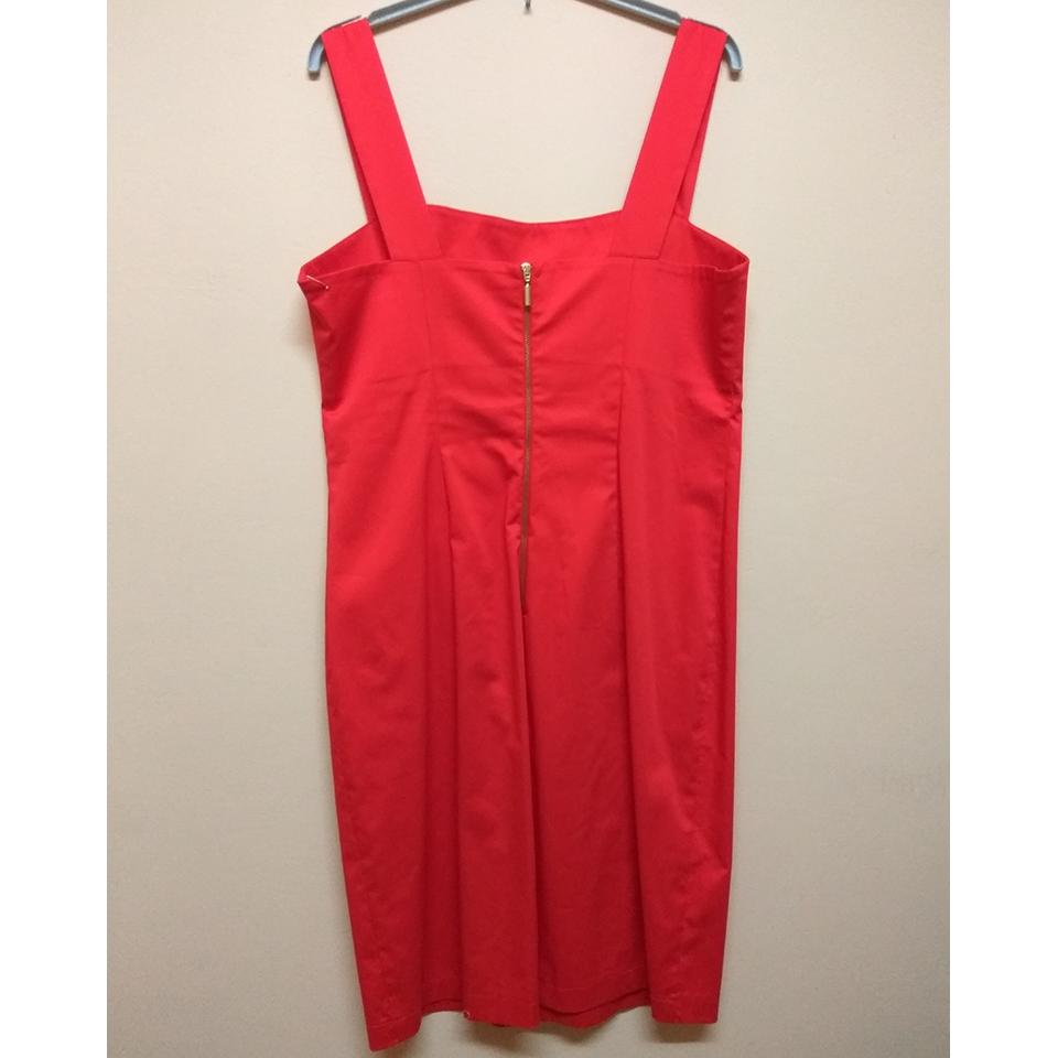 Mini βαμβακερό φόρεμα με ανοικτή πλάτη