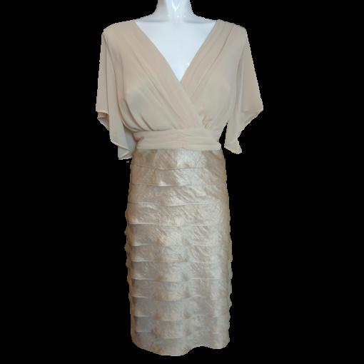Κοντό φόρεμα με φύλλα κρουαζέ στο μπούστο