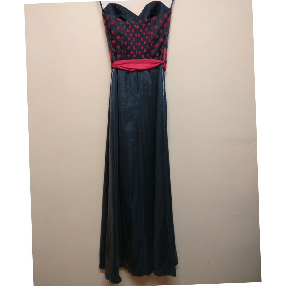 Maxi strapless dress with bust in the bust