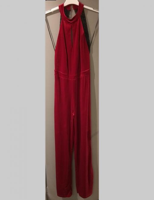 Velvety full-width shape with open back