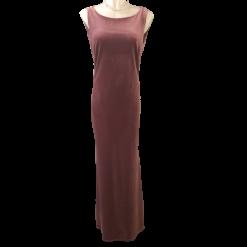 Βελούδινο maxi φόρεμα με κόσμημα στην πλάτη
