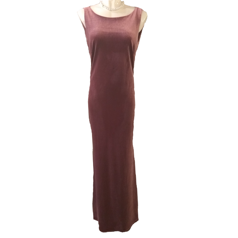 Velvet maxi dress with back jewel
