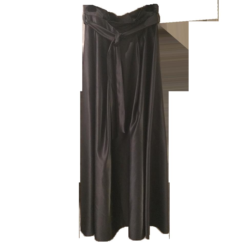 Maxi monochrome skirt with belt
