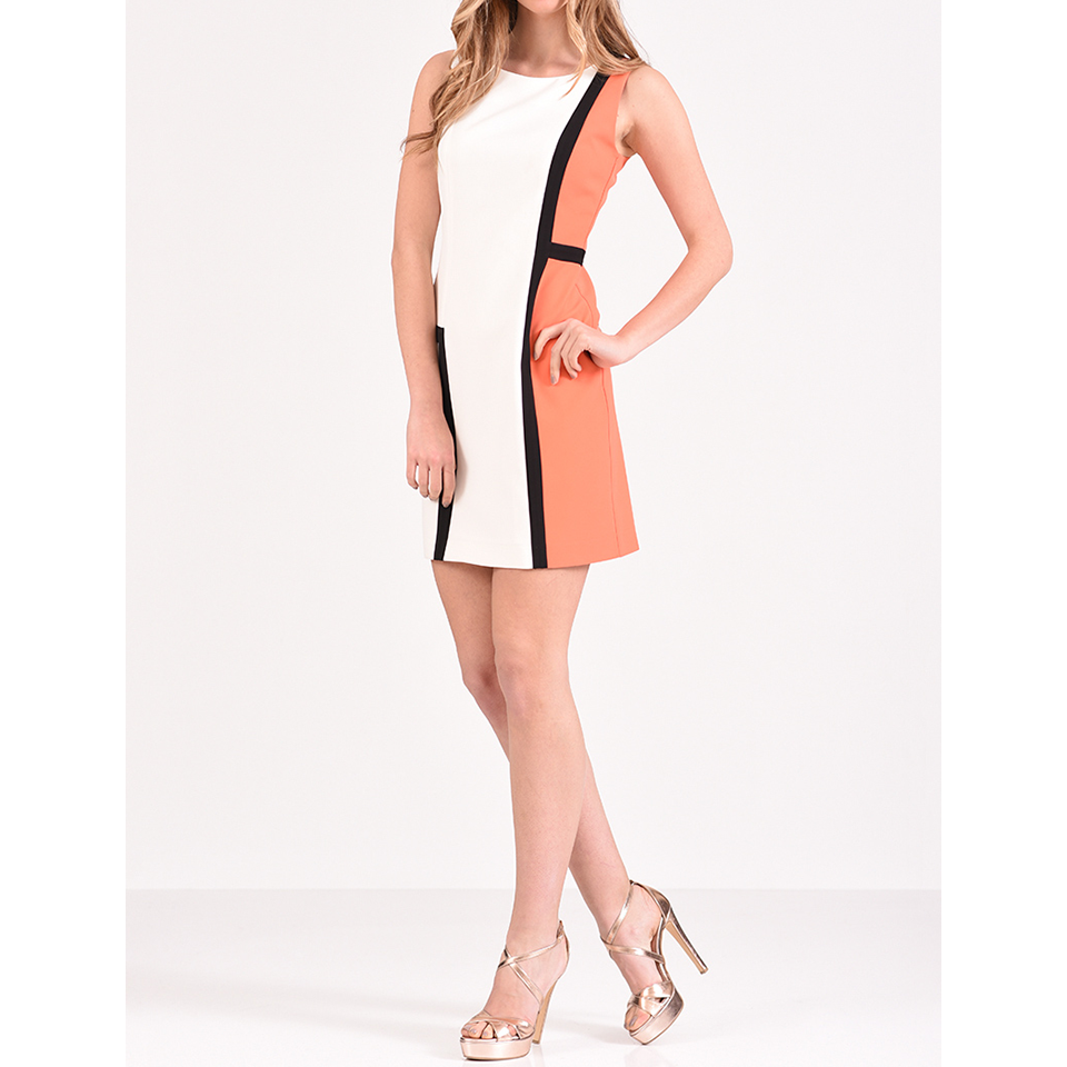 Κοντό φόρεμα cocktail με στρογγυλή λαιμόκοψη