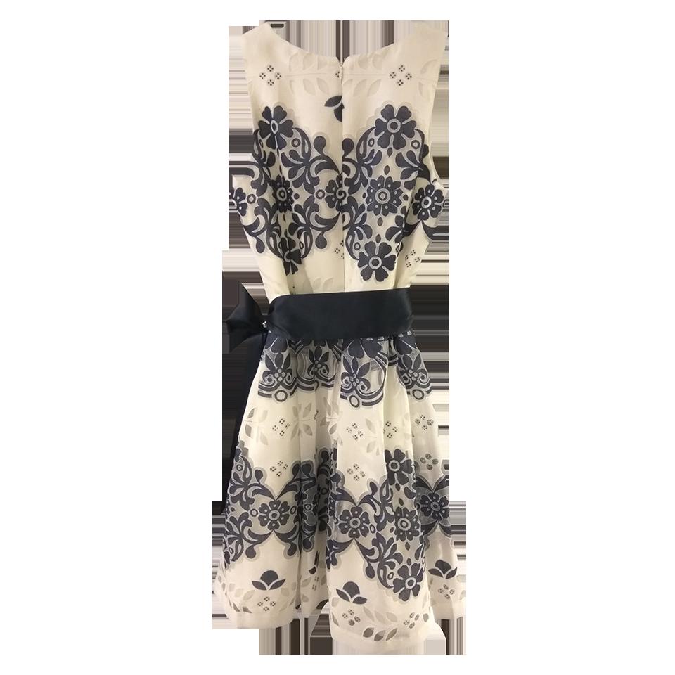 Mini φόρεμα σε Α γραμμή με στρογγυλή λαιμόκοψη
