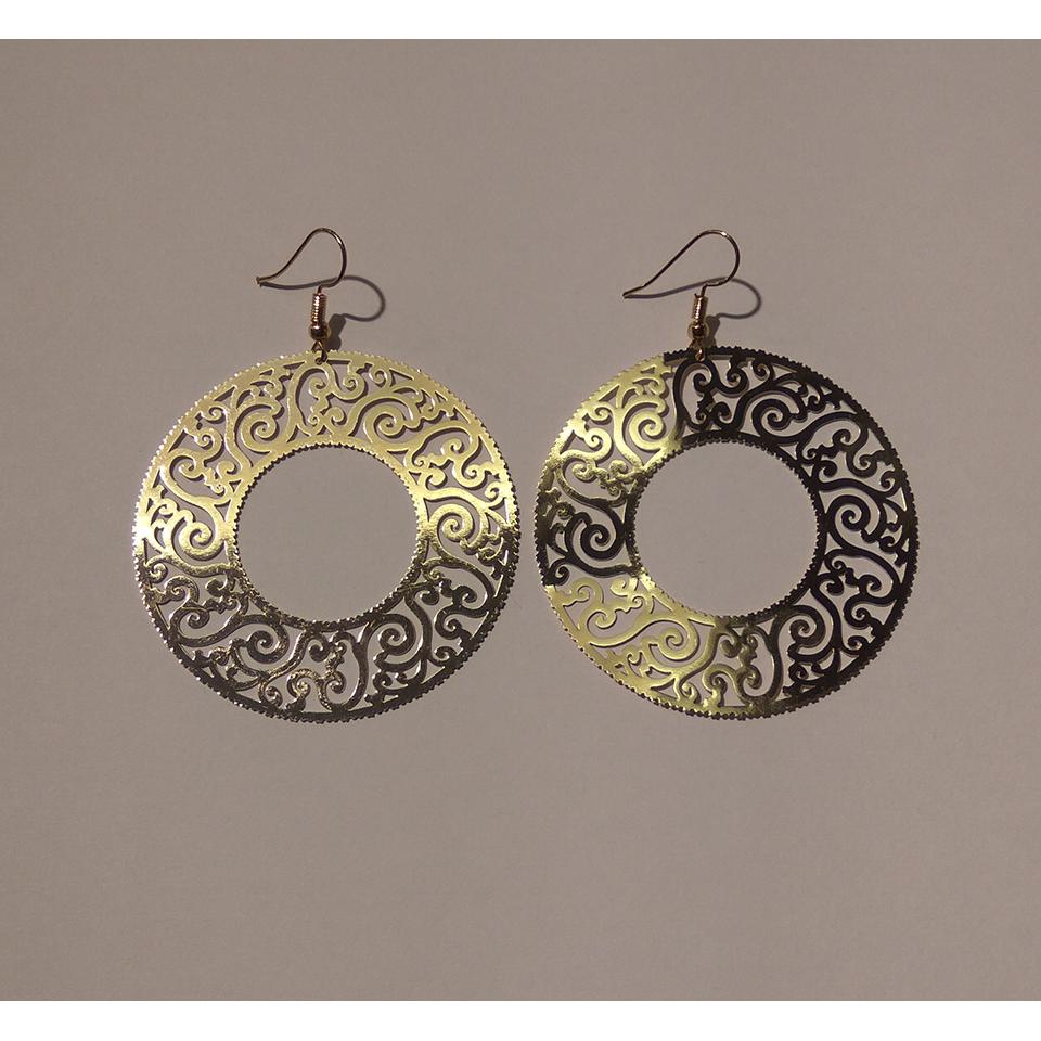 Χρυσά σκουλαρίκια με διάτρητο κύκλο