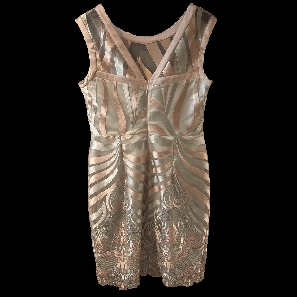 Αμάνικο κοντό φόρεμα με διαφάνειες
