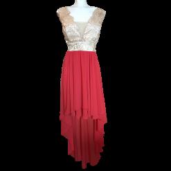 Ασύμμετρο φόρεμα με δαντέλα και μουσελίνα