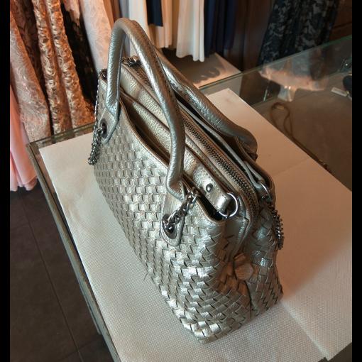 Γυναικεία τσάντα με χερούλια και αλυσίδα