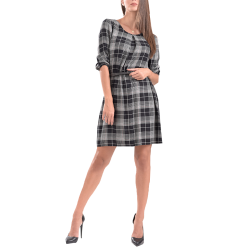 Short plaid dress in comfortable line