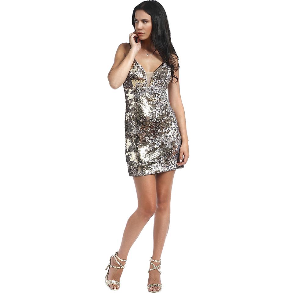Βγάλε την θηλυκότητά σου με βραδυνά φορέματα