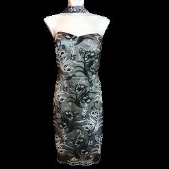 Κοντό φόρεμα με παγιέτες και χαμηλό μπούστο