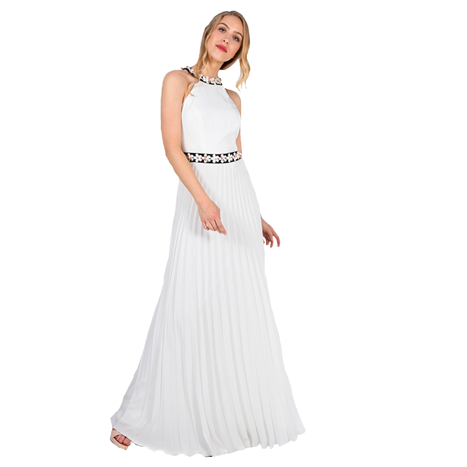 Η γοητεία της μόδας με ένα ασπρόμαυρο φόρεμα