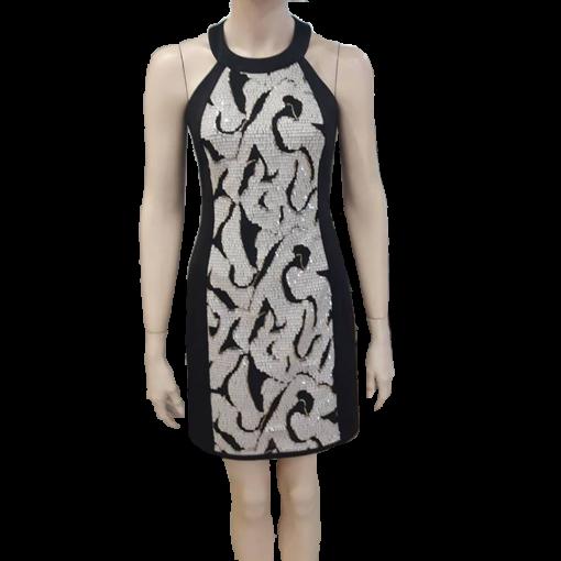 Mini εφαρμοστό φόρεμα με strass