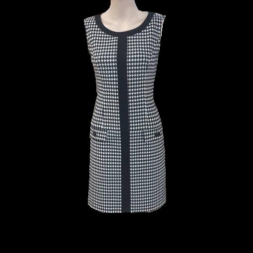 Κοντό ασπρόμαυρο φόρεμα με διακοσμητικές τσέπες