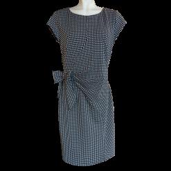 Κοντό ασπρόμαυρο φόρεμα με κοντά μανίκια