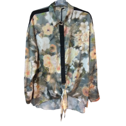 Floral shirt with knotted pink