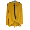 Two-color shirt that binds ocher