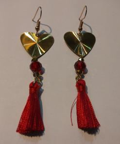 Κοντά χρυσά σκουλαρίκια με κόκκινη φούντα