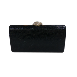 Μαύρο clutch bag με χρυσό κούμπωμα