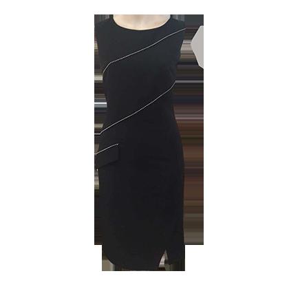 Το αγαπημένο μας μαύρο κοντό φόρεμα