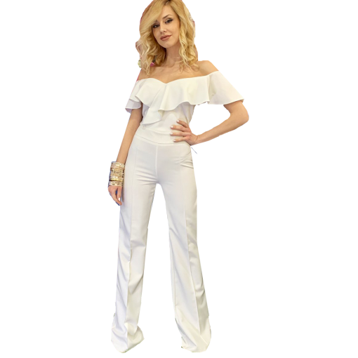 White pants without pockets