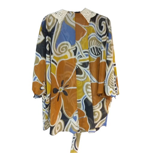 Women's shirt with shoulder opening