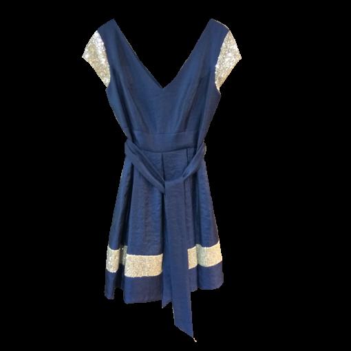 Κοντό φόρεμα με ασημί μικρά μανίκια